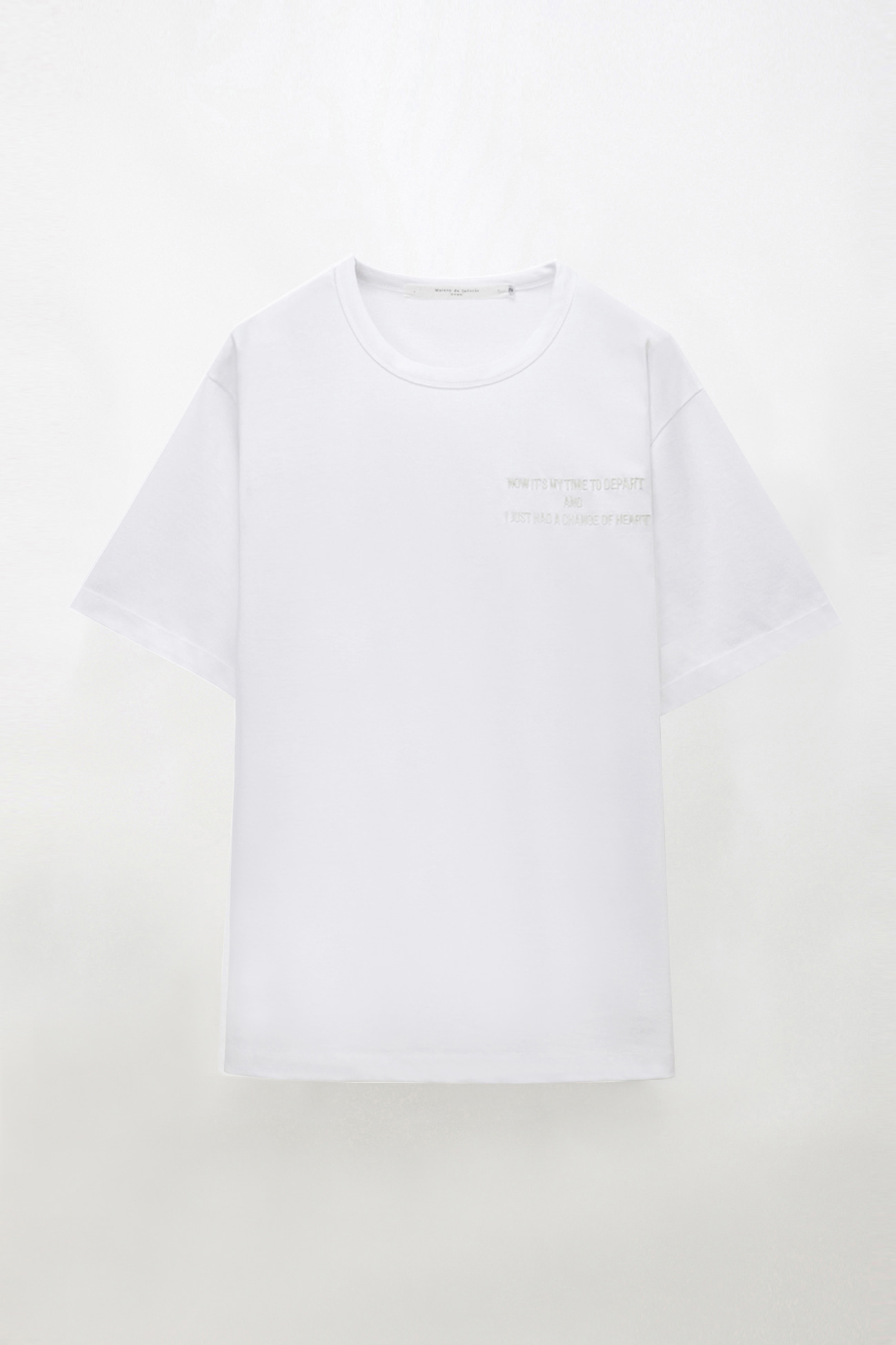 OVERSIZED HEART LETTERING T WHITE