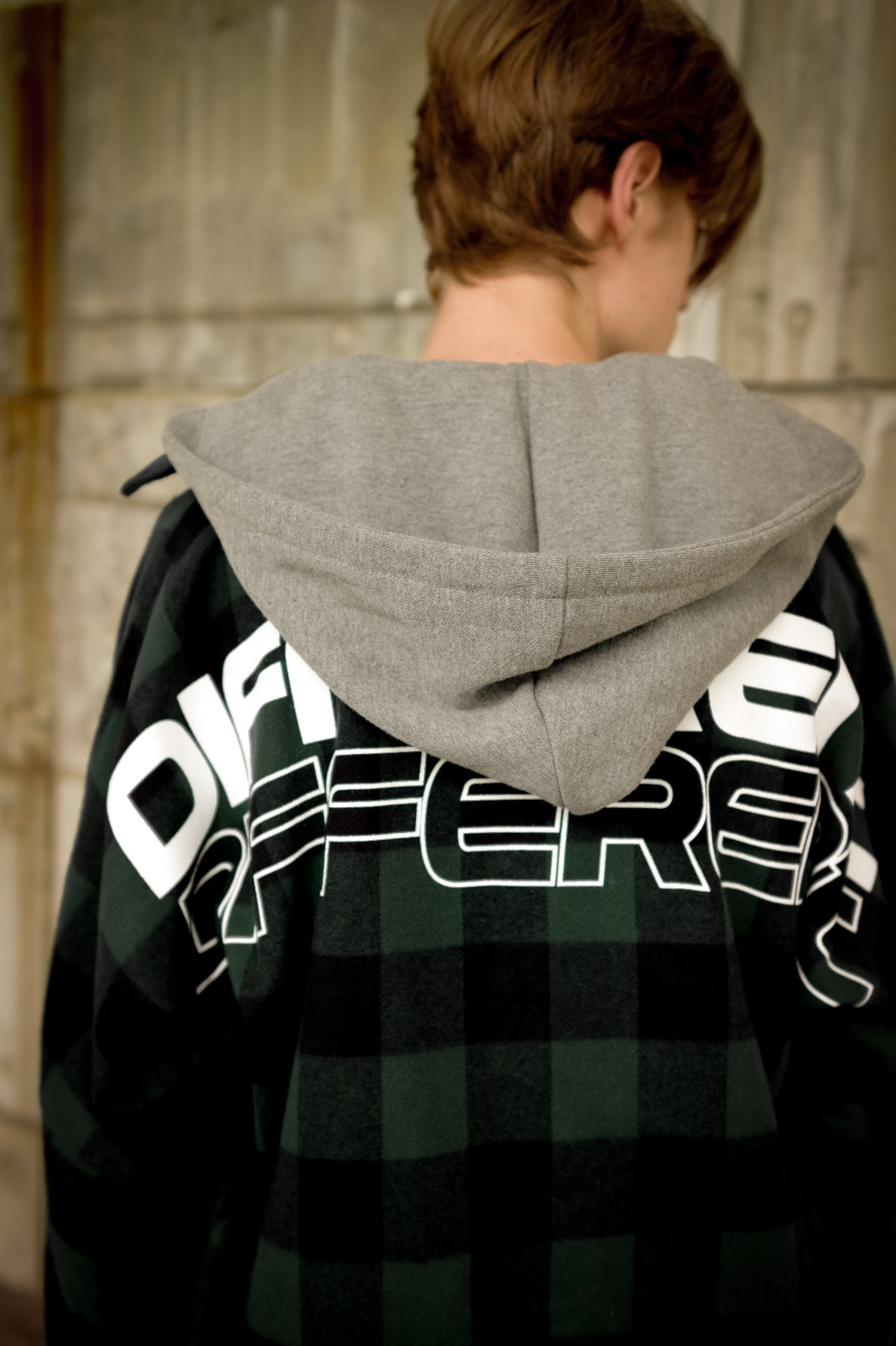 [UNISEX] DIFFERENT LETTERED CHECK HOOD SHIRTS GREEN